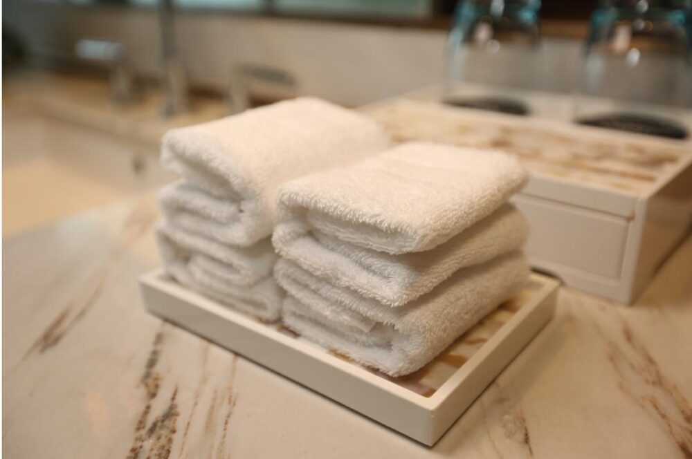 Export White Hand Towels
