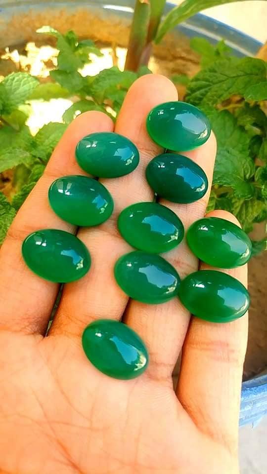 Green aqeeq stone