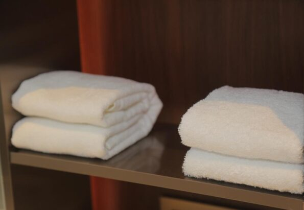 Export White Face Towels