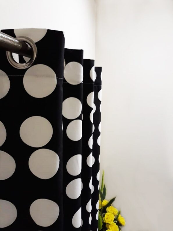 Black and White Dots Curtaion (3)