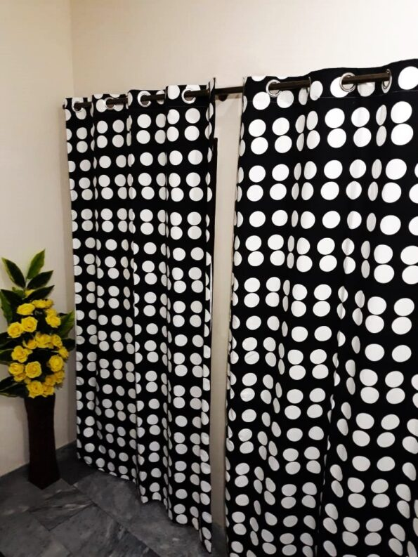 Black and White Dots Curtaion