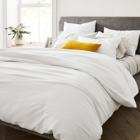 White Duvet Cover with 4 Pillows