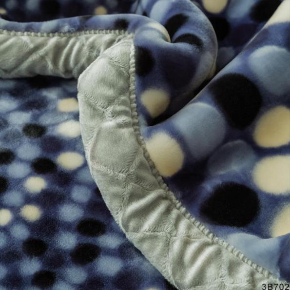 Grey Roundels Blankets 3