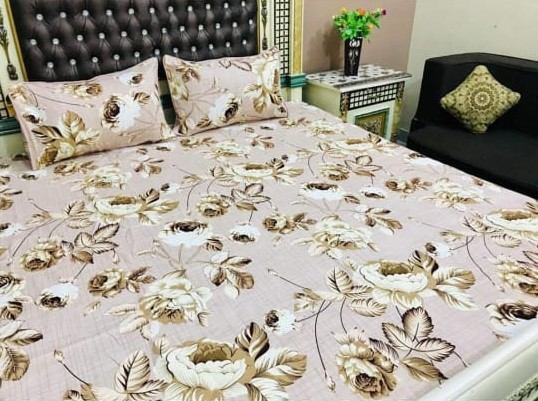 Brown Leaf Printed Bed Sheet With 2 Pillow Covers – 3 PCS