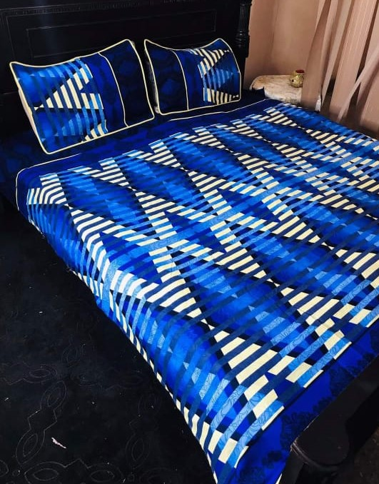 Zig Zag Lining Blue White Printed Bed Sheet With 2 Pillow Covers – 3 PCS