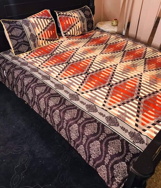 Zig Zag Lining Printed Bed Sheet With 2 Pillow Covers – 3 PCS